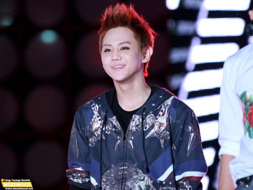 Yoseob at 2012 MBC Ulsan Summer Festival