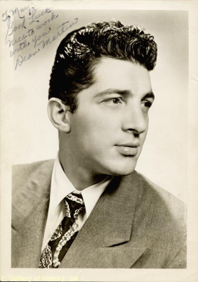 Dean Martin Обои containing a business suit and a suit titled Young Dino
