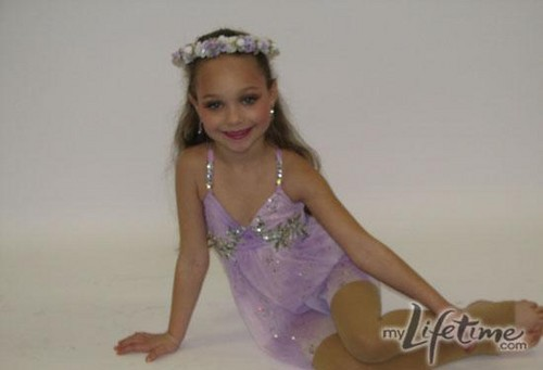Dance Moms پیپر وال entitled Young Maddie