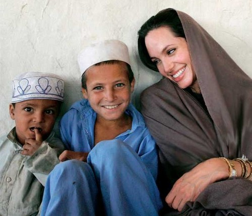 angelina with afgano kids