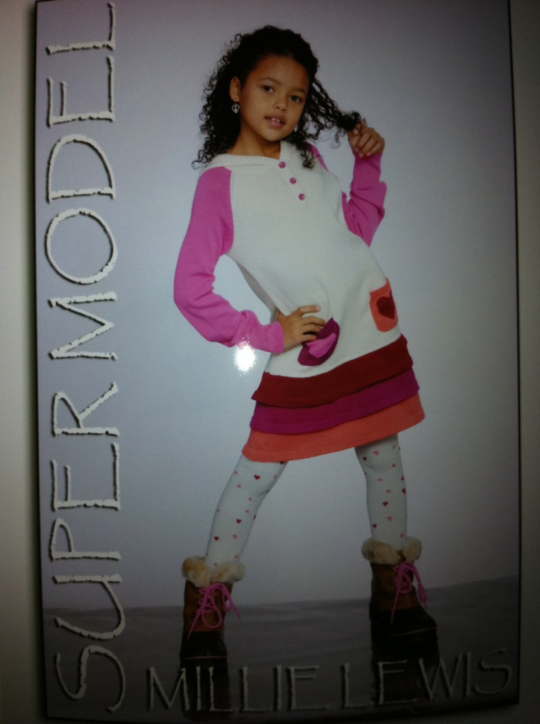 Baby Kaely http://www.fanpop.com/clubs/baby-kaely/images/31663088/title/auri-fashion-photo