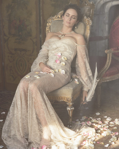 Emily Blunt wallpaper possibly containing a throne titled emily
