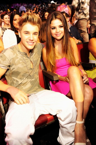 jb at tcas 2012 - justin-bieber Photo