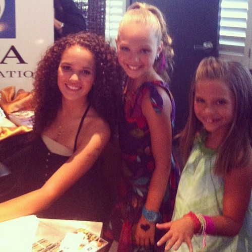 Mackenzie Ziegler Images Shes 2 Cute Like Baby Kaely There Both On