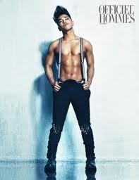 topless Tae