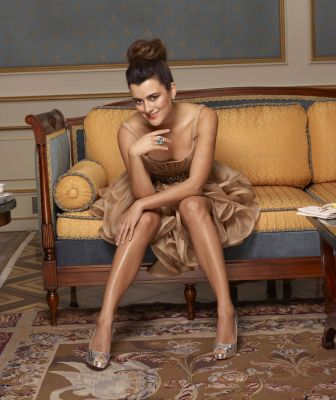 코트 드 파블로 바탕화면 possibly with a living room, a family room, and a drawing room entitled Cote de Pablo - CBS Watch Magazine - December 2010