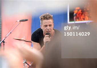 Music wallpaper containing a concert called #GMAOneRepublic