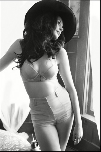 Anne Hathaway wallpaper possibly with a lingerie, a brassiere, and attractiveness titled Anne Hathaway