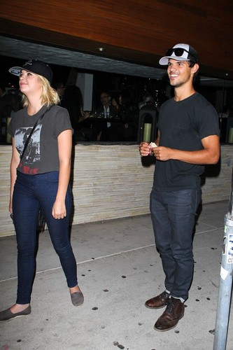 Ashley and Taylor at Red O Mexican Restaurant in L.A. (August 9)