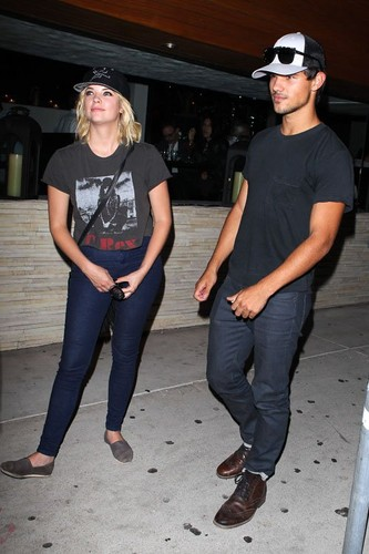 Ashley and Taylor at Red O Mexican Restaurant in L.A. (August 9) - pretty-little-liars-tv-show Photo
