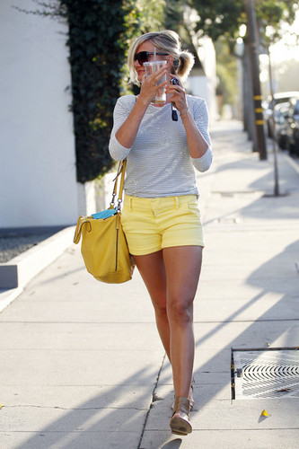 Cameron Diaz and Portia de Rossi Leave a Salon in LA [August 9, 2012]