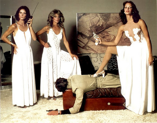 Charlie's Angels 1976 wallpaper probably containing a bridesmaid, a dinner dress, and a cocktail dress called Charlies angels in action !