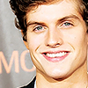 Daniel Sharman picha with a portrait entitled Daniel Sharman