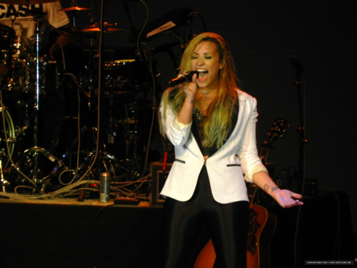 Demi - Summer Tour - Ravinia Festival Highland Park, IL - August 04, 2012