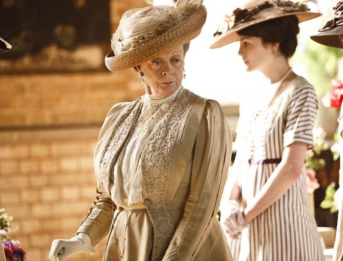 Downton Abbey karatasi la kupamba ukuta containing a boater and a fedora titled Downton Abbey Season 1
