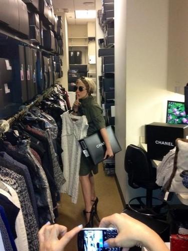 Gaga at a Chanel store (Aug 08)