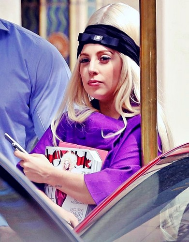 Gaga holding the September Issue of Vogue