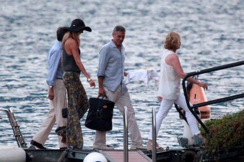 George Clooney and Stacy Keibler Get on a barco [August 9, 2012]