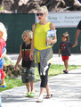 Gwen & Gavin Take The Kids To Florida Science Museum [August 7, 2012] - gwen-stefani photo