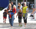 Gwen &amp; Gavin Take The Kids To Florida Science Museum [August 7, 2012] - gwen-stefani photo