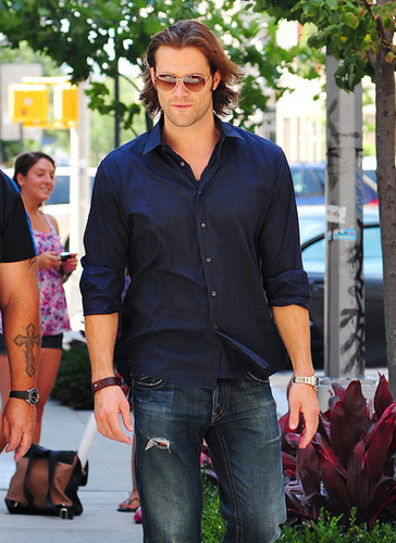 Jared Padalecki wolpeyper possibly containing a pantleg and long trousers titled Jared Padalecki Out and About in SoHo