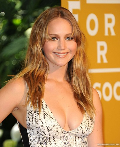 Jennifer at the Hollywood Foreign Press Association's 2012 Installation - Arrivals. [09/08/12]