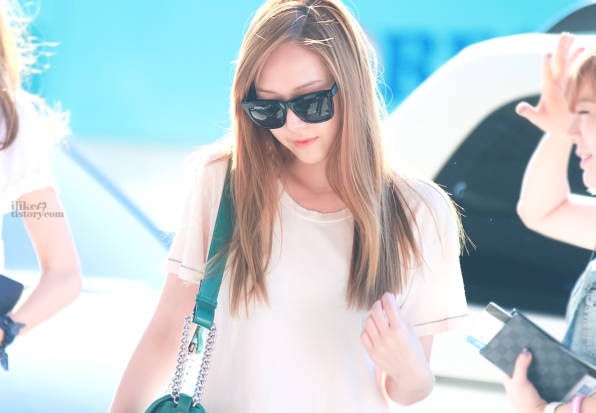 Jessica-Gimpo-Airport-jung-sisters-31739