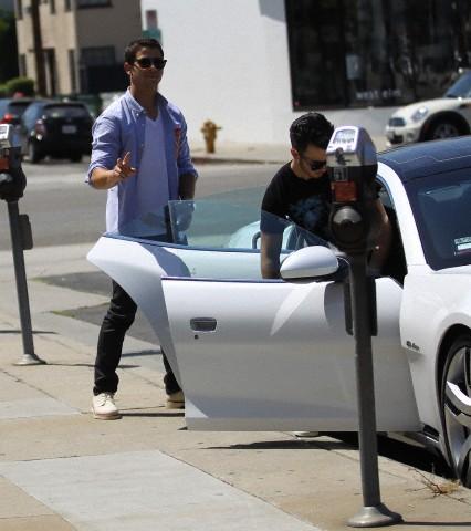 Jonas Brothers 2012 new 写真