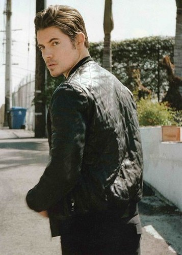 Josh Henderson wallpaper with a business suit and a jalan, street entitled Josh Henderson