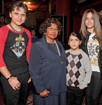 Katherine Jackson And The Jackson Kids