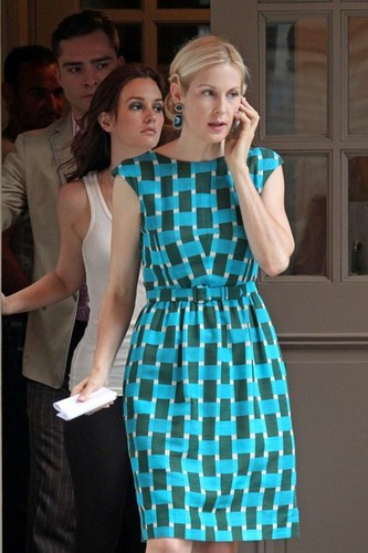 """Kelly Rutherford, Leighton Meester and Ed Westwick film scenes for """"Gossip Girl"""" in New York City"""