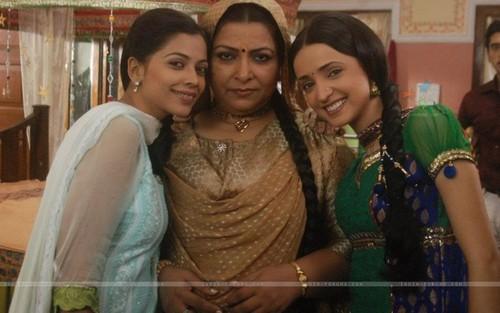 Khushi with Payal and Buwaji