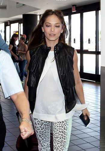 Kristin and ibon ng dyey at Los Angeles Airport (July 4th, 2012)