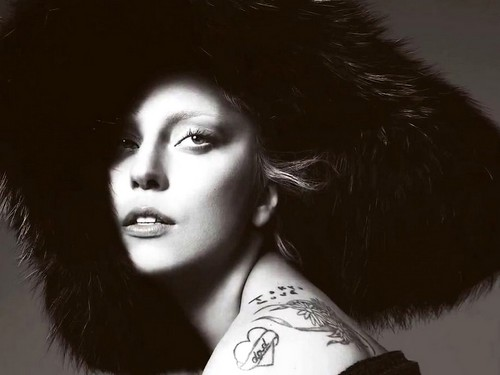 Lady Gaga for Vogue September 2012 Issue-1024x768