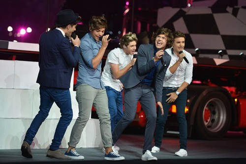 London 2012: closing ceremony -One Direction