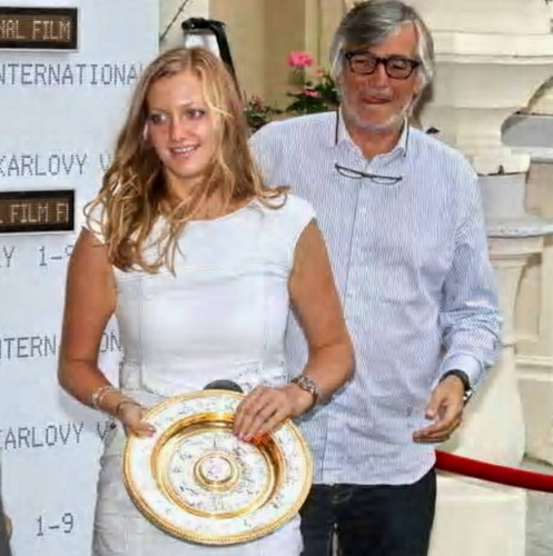 Lovers ? No. Jiri Bartoska and Petra Kvitova, which was welcomed in Karlovy Vary.