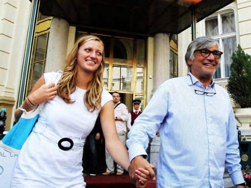 apaixonados ? No. Jiri Bartoska and Petra Kvitova, which was welcomed in Karlovy Vary.