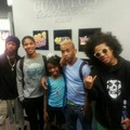 MB x fan —->more lucky mfs with MB (:,Prince and that rock sign again,I expected to see it :P<—-