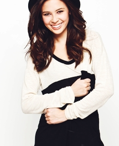 Malese Jow - Malese Jow Photo (31734084) - Fanpop fanclubs