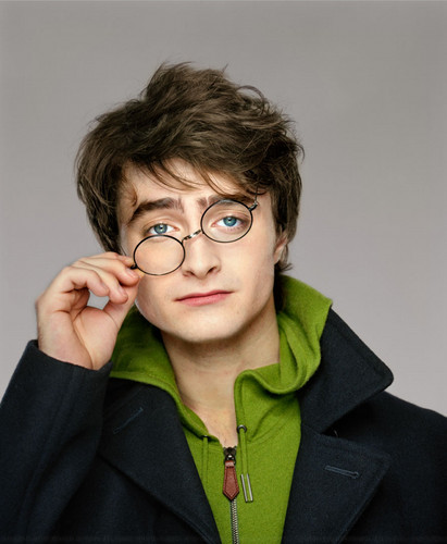 Daniel Radcliffe wallpaper probably containing a well dressed person, a box coat, and an outerwear called Martin Schoeller HQ