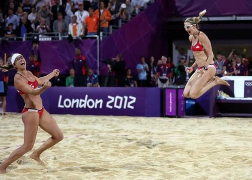May-Treanor, Walsh win beach volleyball gold