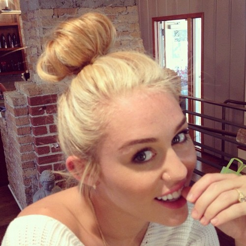 Miley Twitpic. - miley-cyrus Photo