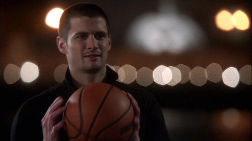Nathan Scott Обои with a basketball, a баскетбол player, and a ведущий мяч, дриблер titled Nathan Scott
