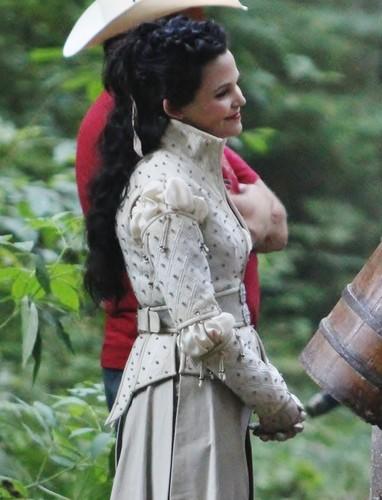 Once Upon A Time - Season 2 - August 9th set fotografias