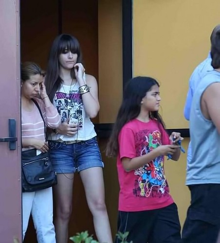 Paris Jackson and her brother Blanket Jackson NEW August 2012