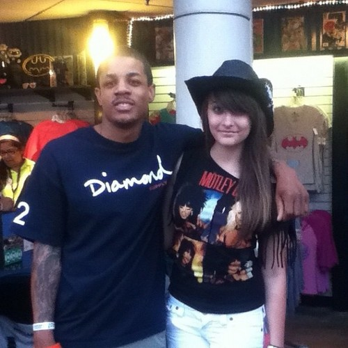 Paris Jackson with peminat At Six Flags Magic Mountain August 4 2012