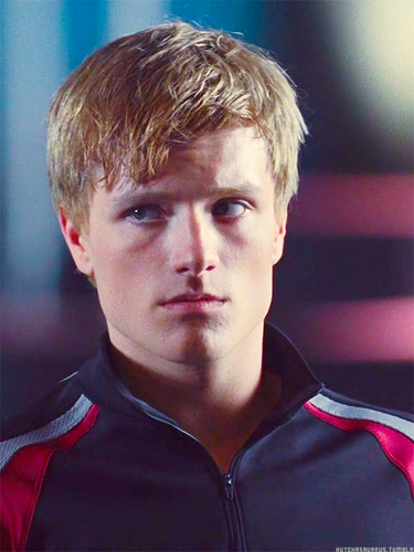 Peeta Mellark वॉलपेपर possibly containing a portrait entitled Peeta