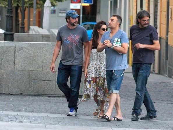 Penélope Cruz And Javier Bardem Dine Out [July 18, 2012