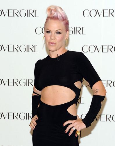 rosa, -de-rosa Announces New Partnership [August 5, 2012]
