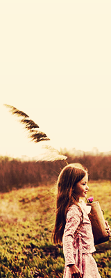 renesmee carlie cullen wallpaper probably with a grainfield called Renesmee